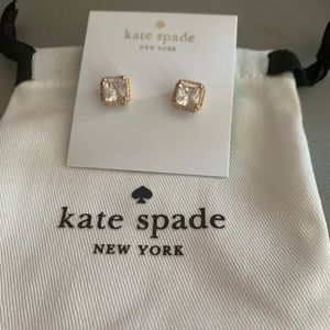 NEW GOLD TONE SAVE THE DATE PRINCESS CUT STUDS